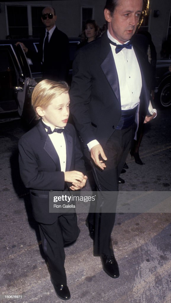 Macaulay Culkin and father Kit Culkin attend 17th Annual People's Choice Awards on March 11, 1993 at Paramount Studios in Hollywood, California.