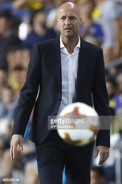 Maccabi Tel Aviv's Israeli Head Coach Jordi Cruyff reacts during the UEFA Europa League Group A football match between Maccabi Tel and Villarreal at...