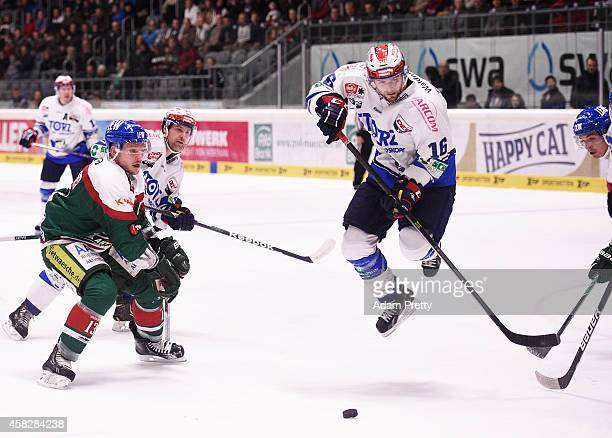 MacGregor Sharp of the Wild Wings in action during the DEL Ice Hockey match between Augsburger Panther and Schwenninger Wild Wings at Curt Frenzel...