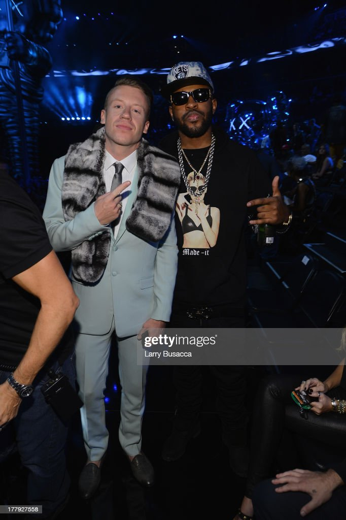 <a gi-track='captionPersonalityLinkClicked' href=/galleries/search?phrase=Macklemore&family=editorial&specificpeople=7639427 ng-click='$event.stopPropagation()'>Macklemore</a> and Mike WiLL Made attend the 2013 MTV Video Music Awards at the Barclays Center on August 25, 2013 in the Brooklyn borough of New York City.