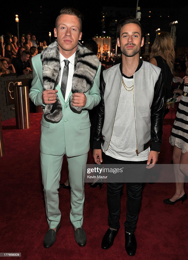 <a gi-track='captionPersonalityLinkClicked' href=/galleries/search?phrase=Macklemore&family=editorial&specificpeople=7639427 ng-click='$event.stopPropagation()'>Macklemore</a> and Ryan Lewis attend the 2013 MTV Video Music Awards at the Barclays Center on August 25, 2013 in the Brooklyn borough of New York City.