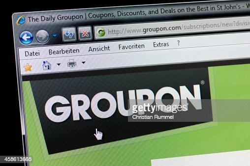 GROUPON-Macro shot of real Pantalla de monitor