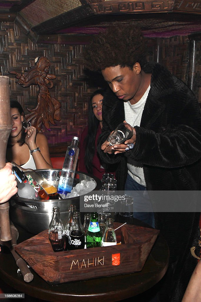 <a gi-track='captionPersonalityLinkClicked' href=/galleries/search?phrase=Macy+Gray&family=editorial&specificpeople=208718 ng-click='$event.stopPropagation()'>Macy Gray</a> attends a party where she was presented with a large cake made in the form of books with 'You Are the Sunshine of My Life' at The Mahiki Club in London's West End after a gig at Koko's in Camden on on December 20, 2012 in London, England.