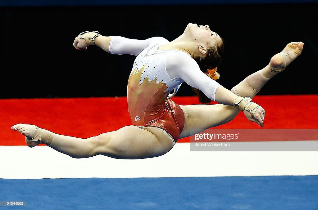 Macy Toronjo competes on the floor exercise in the senior women finals during the 2014 P&G Gymnastics Championships at Consol Energy Center on August 23, 2014 in Pittsburgh, Pennsylvania.