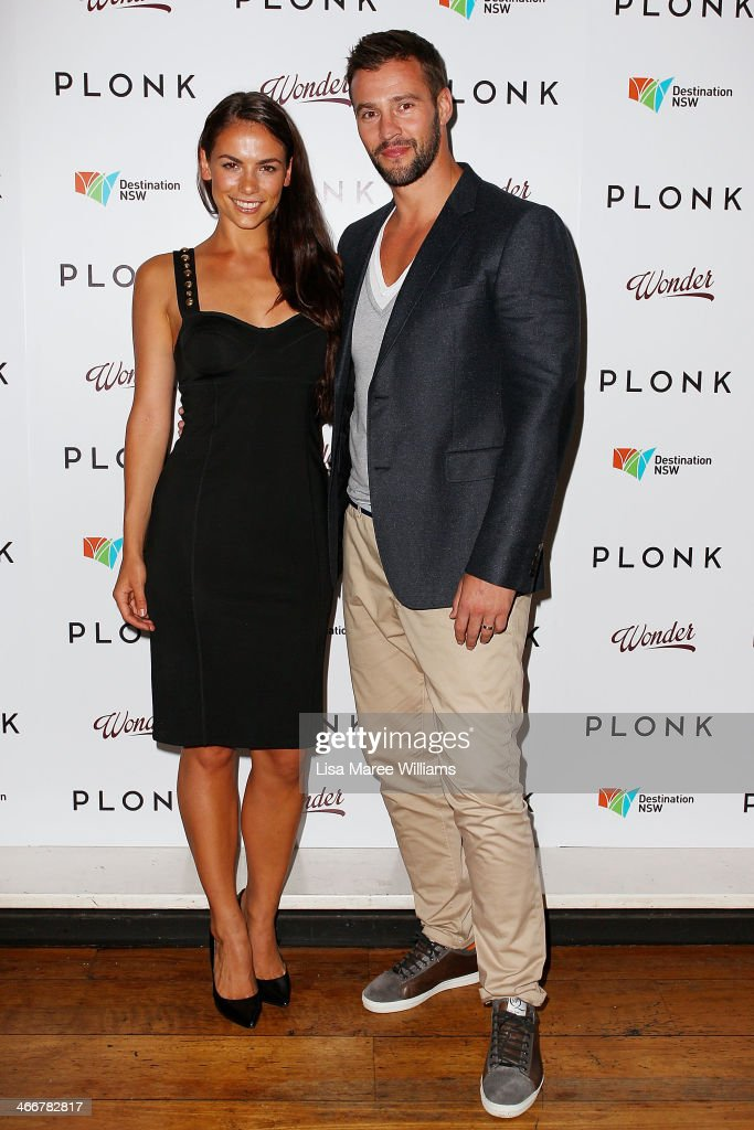 Maddy King and <a gi-track='captionPersonalityLinkClicked' href=/galleries/search?phrase=Kris+Smith&family=editorial&specificpeople=5623091 ng-click='$event.stopPropagation()'>Kris Smith</a> arrive at the PLONK media launch at Palace Verona on February 4, 2014 in Sydney, Australia.