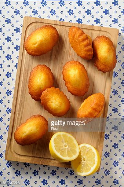 madeleine with lemon