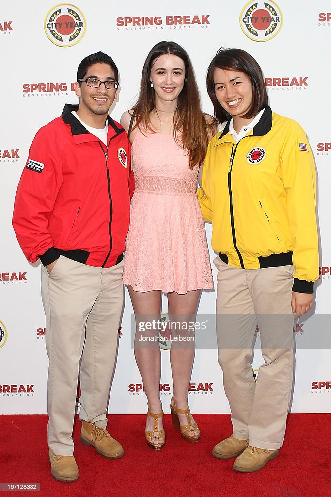 <a gi-track='captionPersonalityLinkClicked' href=/galleries/search?phrase=Madeline+Zima&family=editorial&specificpeople=896601 ng-click='$event.stopPropagation()'>Madeline Zima</a> (C) and City Year Los Angeles AmeriCorps members attend the City Year Los Angeles' Spring Break: Destination Education at Sony Pictures Studios on April 20, 2013 in Culver City, California.