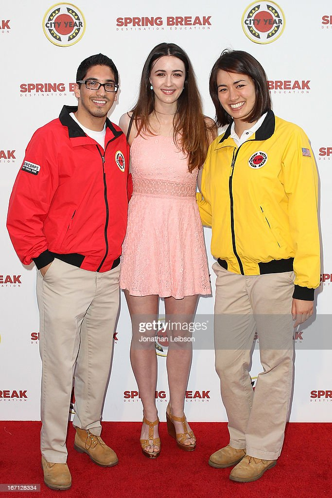 Madeline Zima (C) and City Year Los Angeles AmeriCorps members attend the City Year Los Angeles' Spring Break: Destination Education at Sony Pictures Studios on April 20, 2013 in Culver City, California.