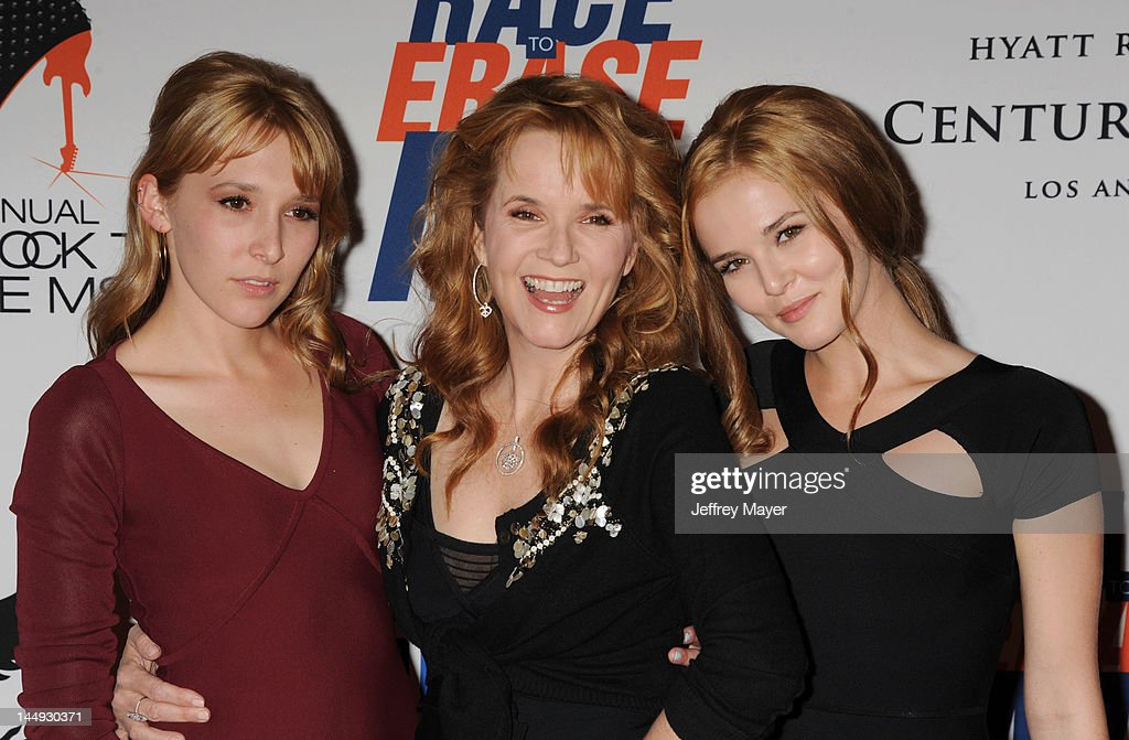 Madelyn Deutch, <a gi-track='captionPersonalityLinkClicked' href=/galleries/search?phrase=Lea+Thompson&family=editorial&specificpeople=210564 ng-click='$event.stopPropagation()'>Lea Thompson</a> and Zoey Deutch attend 19th Annual Race To Erase MS Event at the Hyatt Regency Century Plaza on May 18, 2012 in Century City, California.