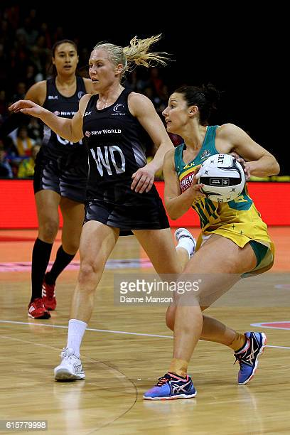 Madi Robinson gets the ball ahead of Laura Langman of New Zealand during the Constellation Cup International Test match between the New Zealand...