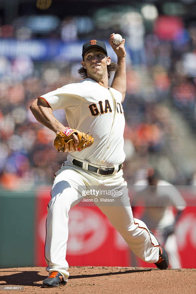 <a gi-track='captionPersonalityLinkClicked' href=/galleries/search?phrase=Madison+Bumgarner&family=editorial&specificpeople=5974095 ng-click='$event.stopPropagation()'>Madison Bumgarner</a> #40 of the San Francisco Giants pitches against the Los Angeles Dodgers during the first inning at AT&T Park on April 17, 2014 in San Francisco, California.