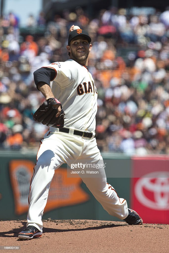 <a gi-track='captionPersonalityLinkClicked' href=/galleries/search?phrase=Madison+Bumgarner&family=editorial&specificpeople=5974095 ng-click='$event.stopPropagation()'>Madison Bumgarner</a> #40 of the San Francisco Giants pitches against the Atlanta Braves during the first inning at AT&T Park on May 11, 2013 in San Francisco, California. The San Francisco Giants defeated the Atlanta Braves 10-1.