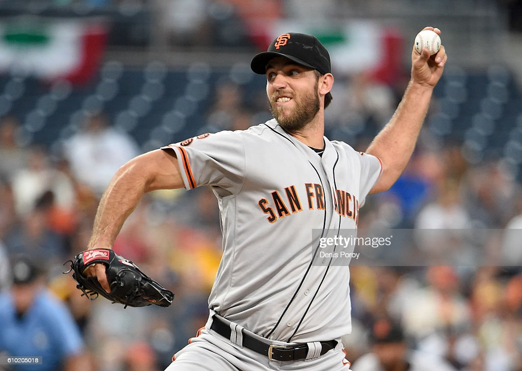 Madison Bumgarner #40 of the San Francisco Giants pitches during the second inning of a baseball game against the San Diego Padres at PETCO Park on September 24, 2016 in San Diego, California.