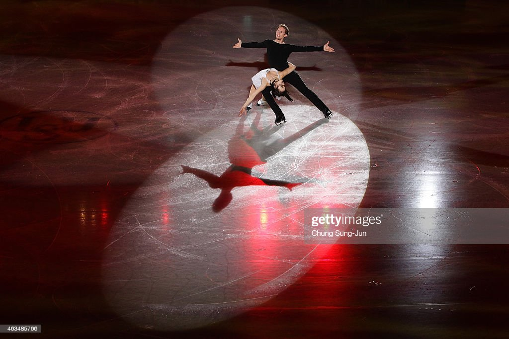 <a gi-track='captionPersonalityLinkClicked' href=/galleries/search?phrase=Madison+Chock&family=editorial&specificpeople=6471803 ng-click='$event.stopPropagation()'>Madison Chock</a> and <a gi-track='captionPersonalityLinkClicked' href=/galleries/search?phrase=Evan+Bates&family=editorial&specificpeople=4839407 ng-click='$event.stopPropagation()'>Evan Bates</a> of United States skate in the Gala Exhibition on day four of the ISU Four Continents Figure Skating Championships 2015 at the Mokdong Ice Rink on February 15, 2015 in Seoul, South Korea.