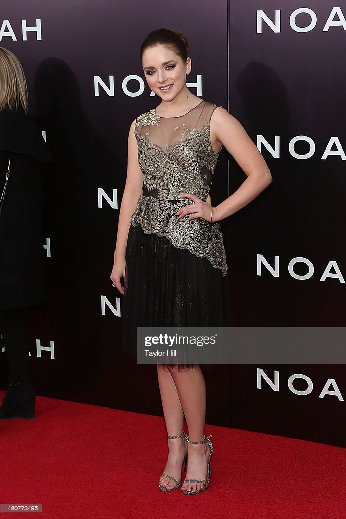 <a gi-track='captionPersonalityLinkClicked' href=/galleries/search?phrase=Madison+Davenport&family=editorial&specificpeople=4068841 ng-click='$event.stopPropagation()'>Madison Davenport</a> attends the 'Noah' premiere at Ziegfeld Theatre on March 26, 2014 in New York City.