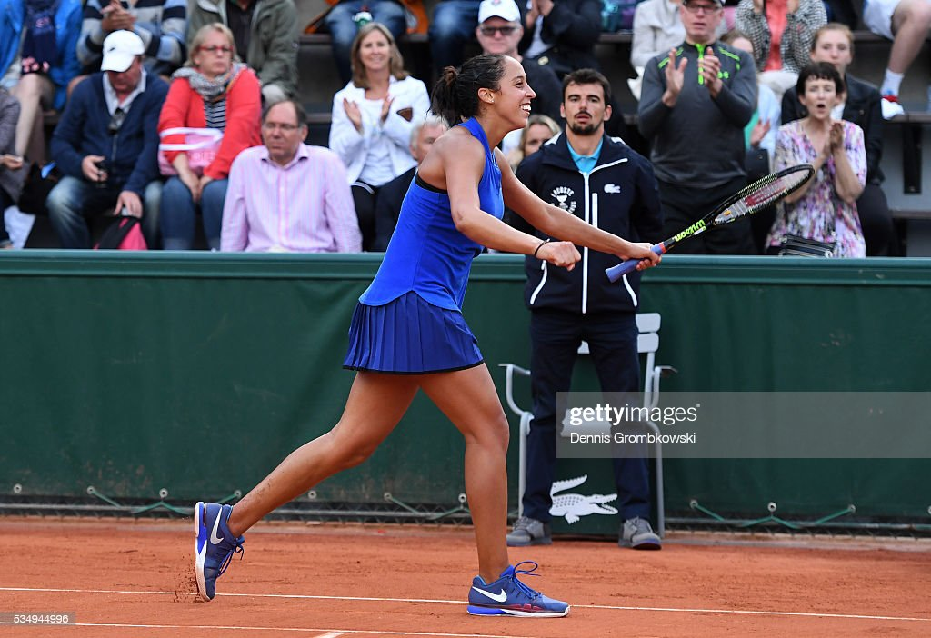 <a gi-track='captionPersonalityLinkClicked' href=/galleries/search?phrase=Madison+Keys&family=editorial&specificpeople=5965706 ng-click='$event.stopPropagation()'>Madison Keys</a> of the United States celebrates victory during the Ladies Singles third round match against Monica Puig of Puerto Rica on day seven of the 2016 French Open at Roland Garros on May 28, 2016 in Paris, France.