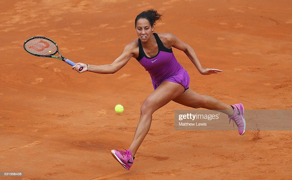 <a gi-track='captionPersonalityLinkClicked' href=/galleries/search?phrase=Madison+Keys&family=editorial&specificpeople=5965706 ng-click='$event.stopPropagation()'>Madison Keys</a> of the United States in action against Garbine Muguruza of Spain during day seven of The Internazionali BNL d'Italia 2016 on May 14, 2016 in Rome, Italy.