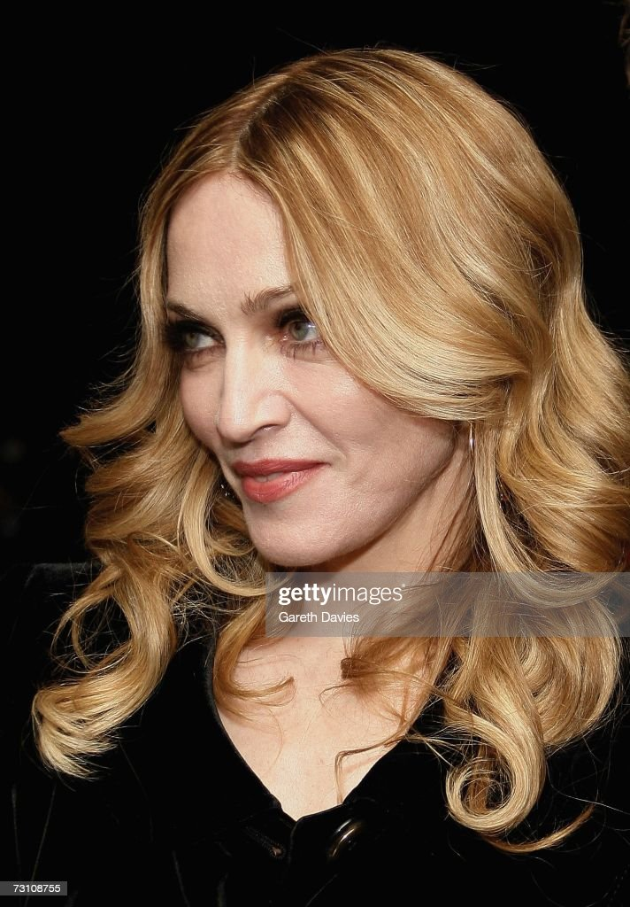 <a gi-track='captionPersonalityLinkClicked' href=/galleries/search?phrase=Madonna+-+Singer&family=editorial&specificpeople=156408 ng-click='$event.stopPropagation()'>Madonna</a> arrives at the UK premiere of 'Arthur And The Invisibles' at Vue cinema, Leicester Square on January 25, 2007 in London, England.
