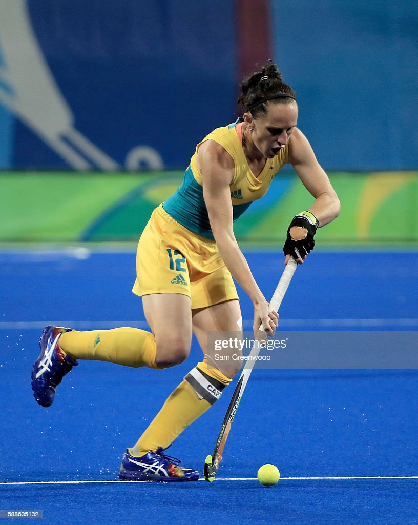 Madonna Blyth of Australia controls the ball during a Women's Preliminary Pool B match against Argentina at the Olympic Hockey Centre on August 11...