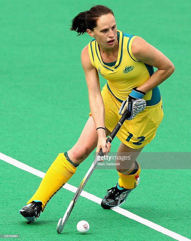 Madonna Blyth of the Hockeyroos controls the ball during the Oceania Cup match between New Zealand and Australia at Hobart Hockey Centre on October 9...