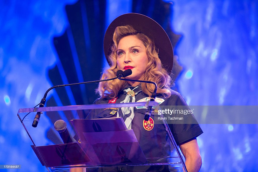 <a gi-track='captionPersonalityLinkClicked' href=/galleries/search?phrase=Madonna+-+Zangeres&family=editorial&specificpeople=156408 ng-click='$event.stopPropagation()'>Madonna</a> onstage at the 24th annual GLAAD Media awards at The New York Marriott Marquis on March 16, 2013 in New York City.