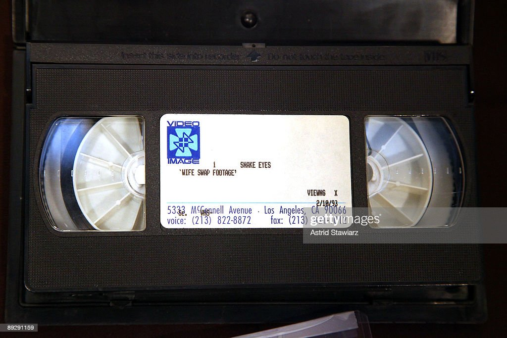 madonnas-personal-home-video-given-to-th