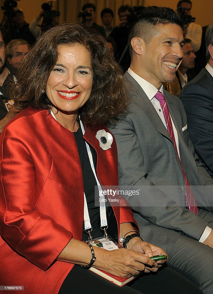 Madrid Mayor <a gi-track='captionPersonalityLinkClicked' href=/galleries/search?phrase=Ana+Botella&family=editorial&specificpeople=235432 ng-click='$event.stopPropagation()'>Ana Botella</a> and boxer Sergio Martinez attend the 'Madrid 2020' Press Conference at NH City Hotel on September 5, 2013 in Buenos AIres, Argentina