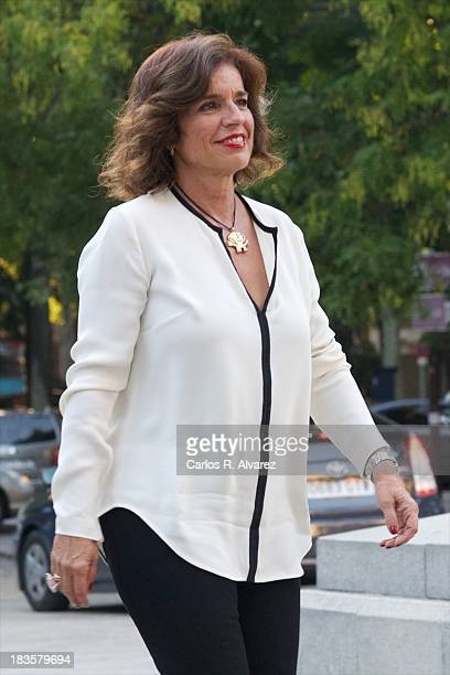 Madrid Mayor Ana Botella attends the inauguration of the 'Velazquez Y La Familia de Felipe IV' exhibition at the El Prado museum on October 7 2013 in...