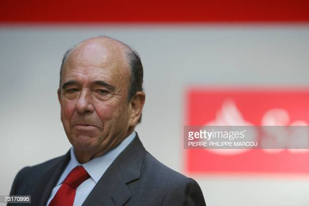 Chairman of Spanish banking group Santander Central Hispano Emilio Botin speaks at a results press conference in Madrid 01 February 2007 Santander...