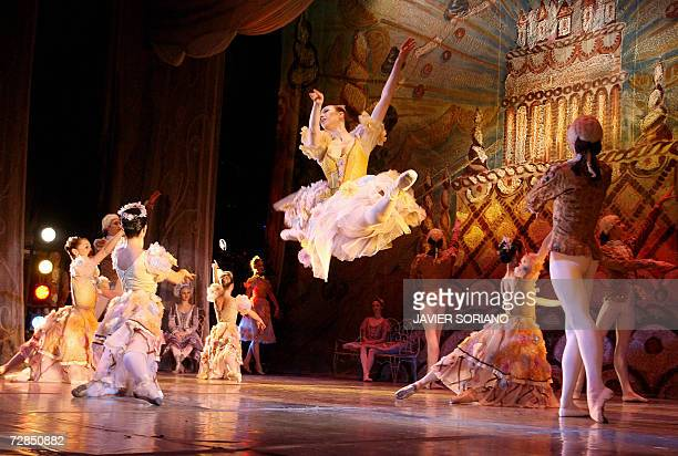 Moscow Classic Ballet dancers performs during a rehearsal of 'The Nutcracker Suite' in Madrid 19 December 2006 AFP PHOTO JAVIER SORIANO