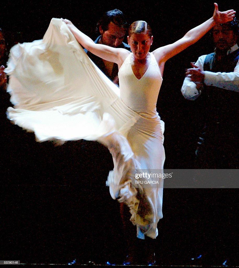 spanish flamenco dancer sara baras danci pictures getty images