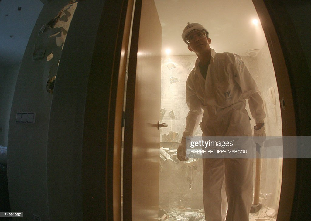 Spanish Pablo leaves a destroyed bathroom in a Madrid hotel, 03 July 2007. Candidates stressed enough after taking strength and psychological tests are allowed to take part in the 'roomolition,' consisting in breaking everything they find in the hotel: bedrooms, bathrooms and common areas.