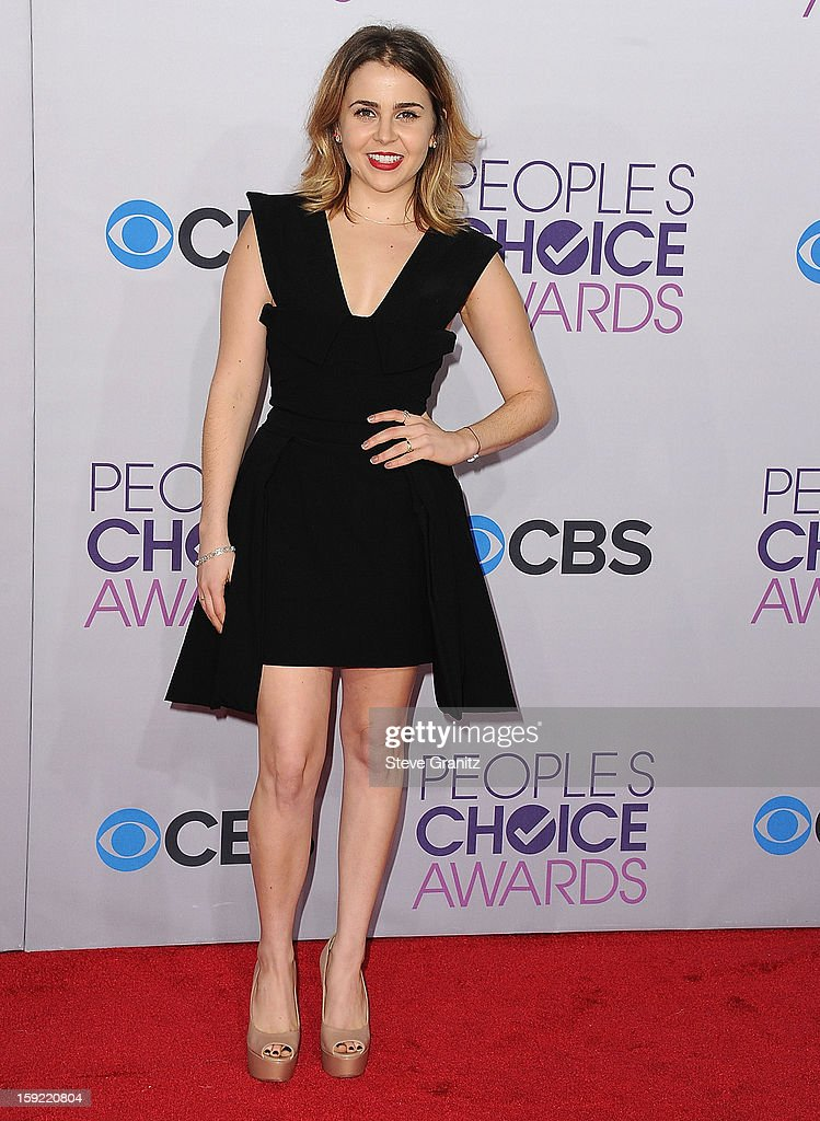 Mae Whitman arrives at the 2013 People's Choice Awards at Nokia Theatre L.A. Live on January 9, 2013 in Los Angeles, California.