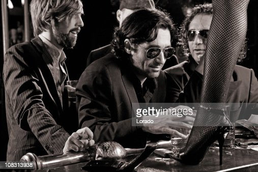 mafia drinking in bar