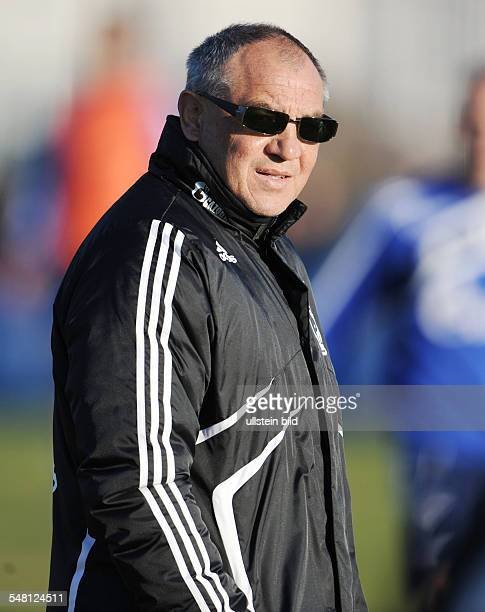 Magath Felix Football Coach and General Manager FC Schalke 04 Germany during training session he is wearing sunglasses to protect his eyes because of...