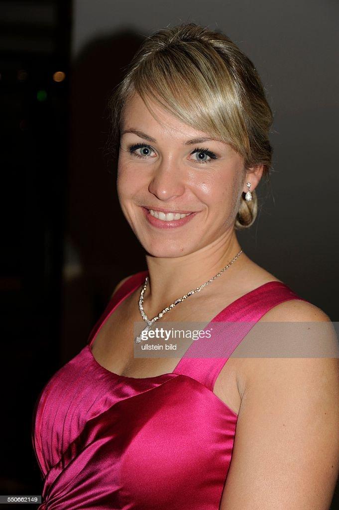 Magdalena Neuner Nude Photos 30
