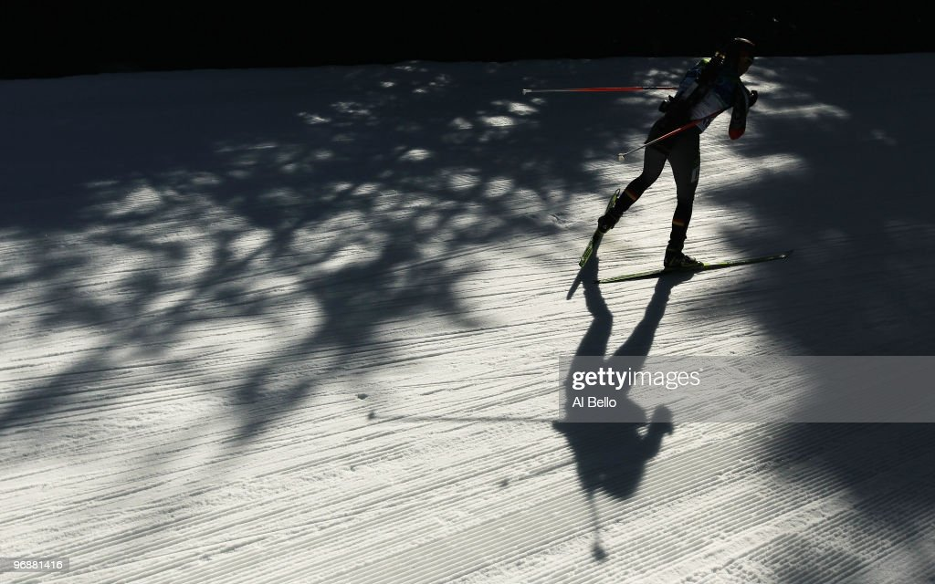 <a gi-track='captionPersonalityLinkClicked' href=/galleries/search?phrase=Magdalena+Neuner&family=editorial&specificpeople=2095093 ng-click='$event.stopPropagation()'>Magdalena Neuner</a> of Germany competes during the Biathlon Women's 15 km individual on day 7 of the 2010 Vancouver Winter Olympics at Whistler Olympic Park Biathlon Stadium on February 18, 2010 in Whistler, Canada.