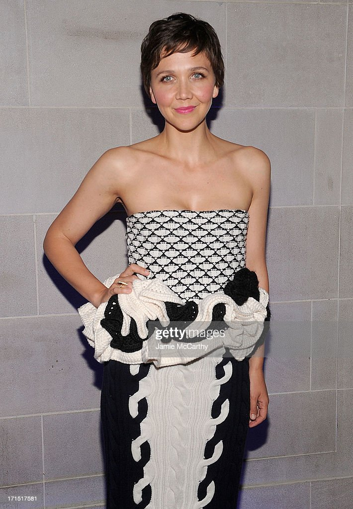 <a gi-track='captionPersonalityLinkClicked' href=/galleries/search?phrase=Maggie+Gyllenhaal&family=editorial&specificpeople=202607 ng-click='$event.stopPropagation()'>Maggie Gyllenhaal</a> attends 'White House Down' New York Premiere at on June 25, 2013 in New York City.