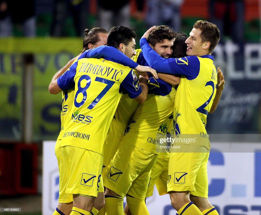 Maggiorini RIccardo of Chievo celebrated the goal 01 with the teammates during the Serie A match between Cagliari Calcio and AC Chievo Verona at...