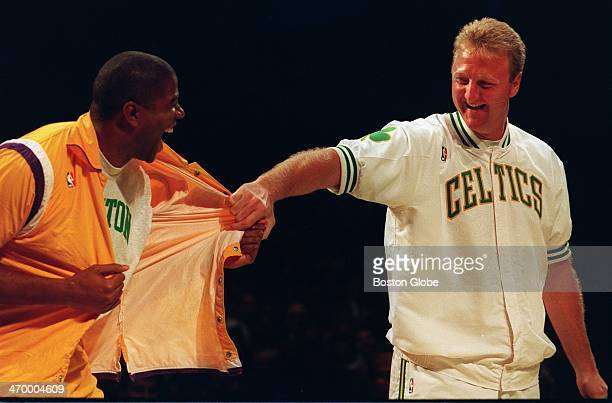 Magic Johnson left pays tribute to fellow basketball legend Larry Bird who recently retired but the joke is on Bird when he finds that Johnson has...