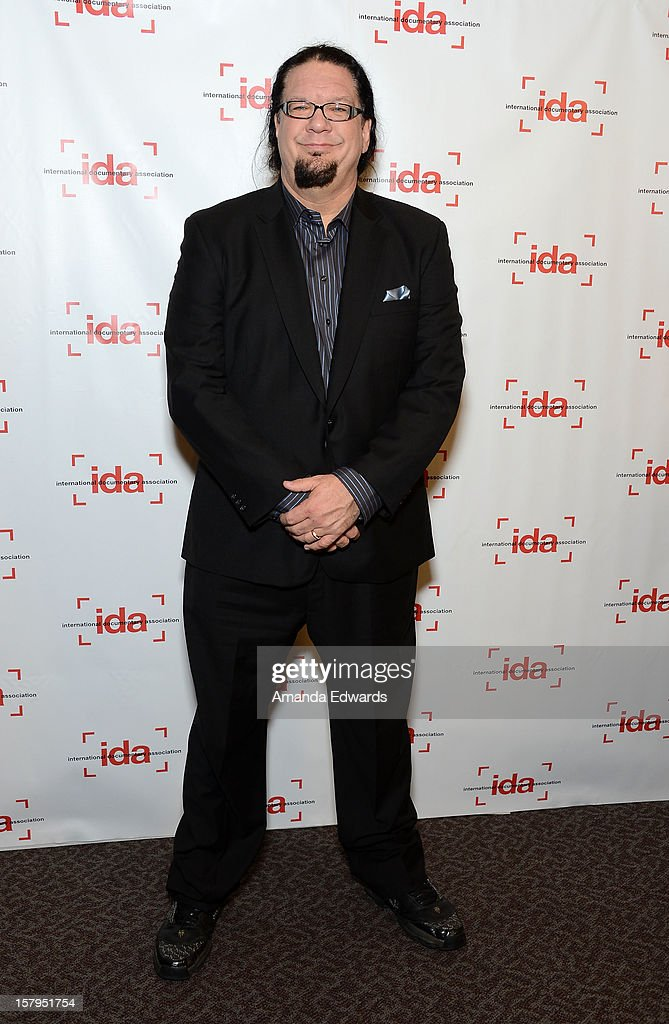 Magician Penn Jillette arrives at the International Documentary Association's 2012 IDA Documentary Awards at The Directors Guild Of America on December 7, 2012 in Los Angeles, California.