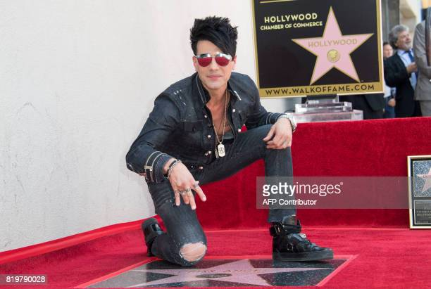 Magicien Criss Angel poses during his star unveiling ceremony on the Hollywood Walk of Fame on July 20 in Hollywood California / AFP PHOTO / VALERIE...