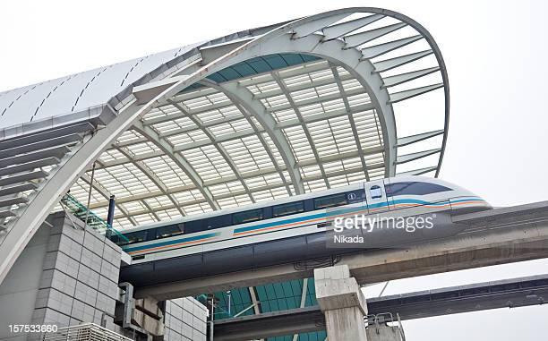 Treno a levitazione magnetica a Shanghai