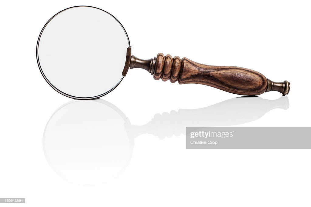 Magnifying glass / spyglass