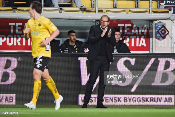 Magnus Haglund head coach of IF Elfsborg instructs his players during the Allsvenskan match between IF Elfsborg and Djurgardens IF at Boras Arena on...
