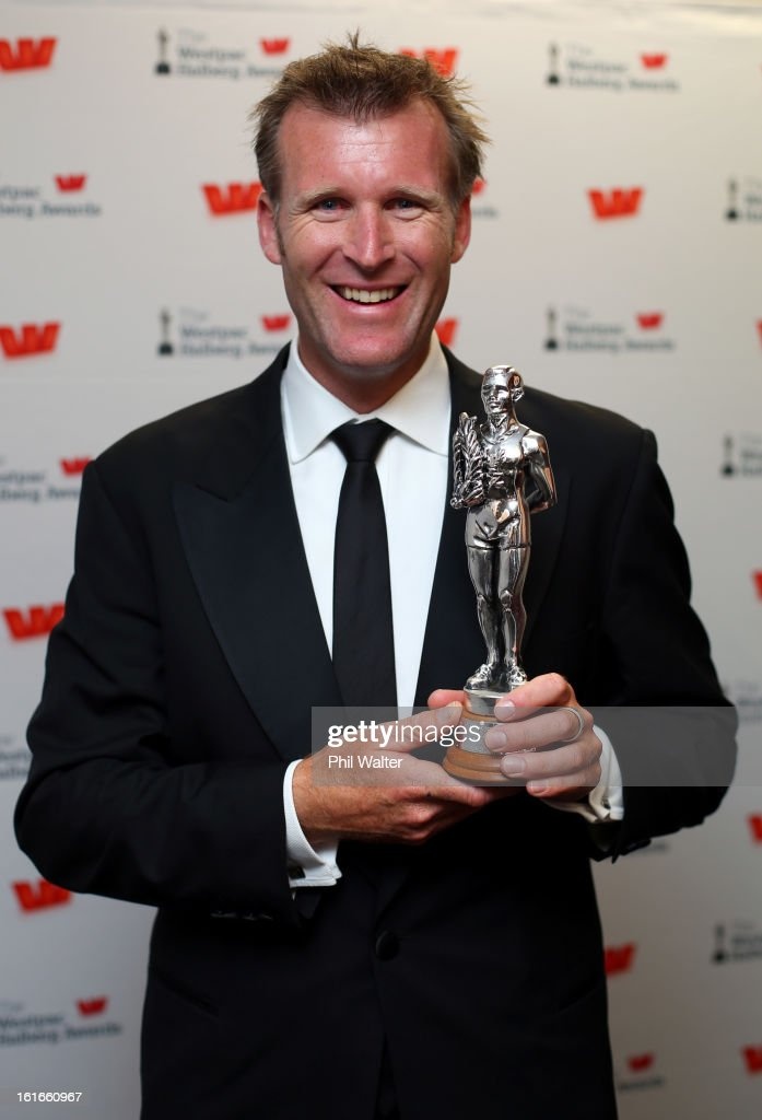 Mahe Drysdale holds the Halberg Sportsman of the Year Award during the 2013 Halberg Awards at Vector Arena on February 14, 2013 in Auckland, New Zealand.