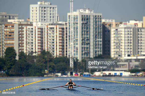 Mahe Drysdale of New Zealand competes during the Men's Single Sculls Heat 2 on Day 1 of the Rio 2016 Olympic Games at the Lagoa Stadium on August 6...