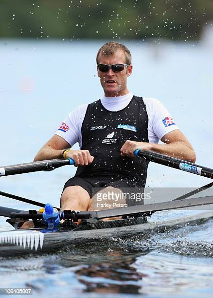 Mahe Drysdale of New Zealand races in the Men's Single Sculls heat during day two of the World Rowing Championships at Lake Karapiro on November 1...