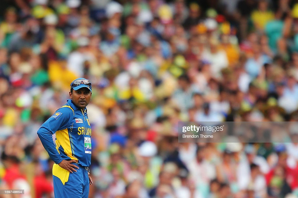 Mahela Jayawardena of Sri Lanka looks dejected after his bowlers concede another boundry during game four of the Commonwealth Bank one day international series between Australia and Sri Lanka at Sydney Cricket Ground on January 20, 2013 in Sydney, Australia.