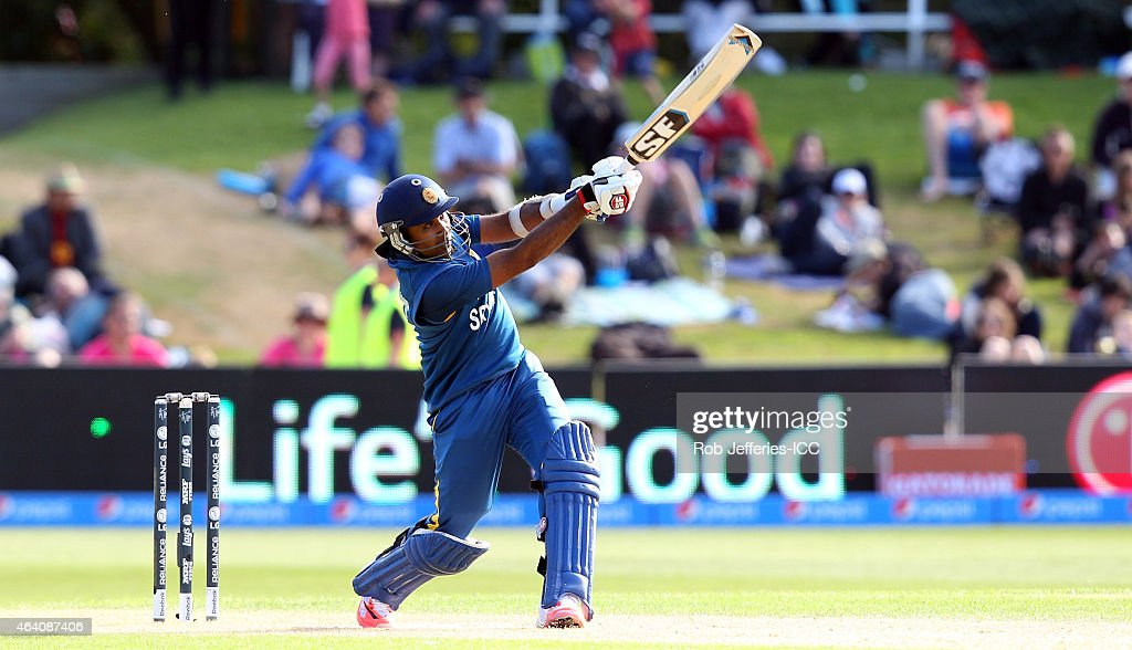 <a gi-track='captionPersonalityLinkClicked' href=/galleries/search?phrase=Mahela+Jayawardene&family=editorial&specificpeople=213707 ng-click='$event.stopPropagation()'>Mahela Jayawardene</a> of Sri Lanka bats during the 2015 ICC Cricket World Cup match between Sri Lanka and Afghanistan at University Oval on February 22, 2015 in Dunedin, New Zealand.